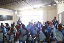 पालिका स्तरिय जन प्रतिनिधि कर्मचारी र महिला स्वास्थ्य स्वयं सेवीकाहरू बीच अन्तरक्रिया कार्यक्रम को तस्बिर
